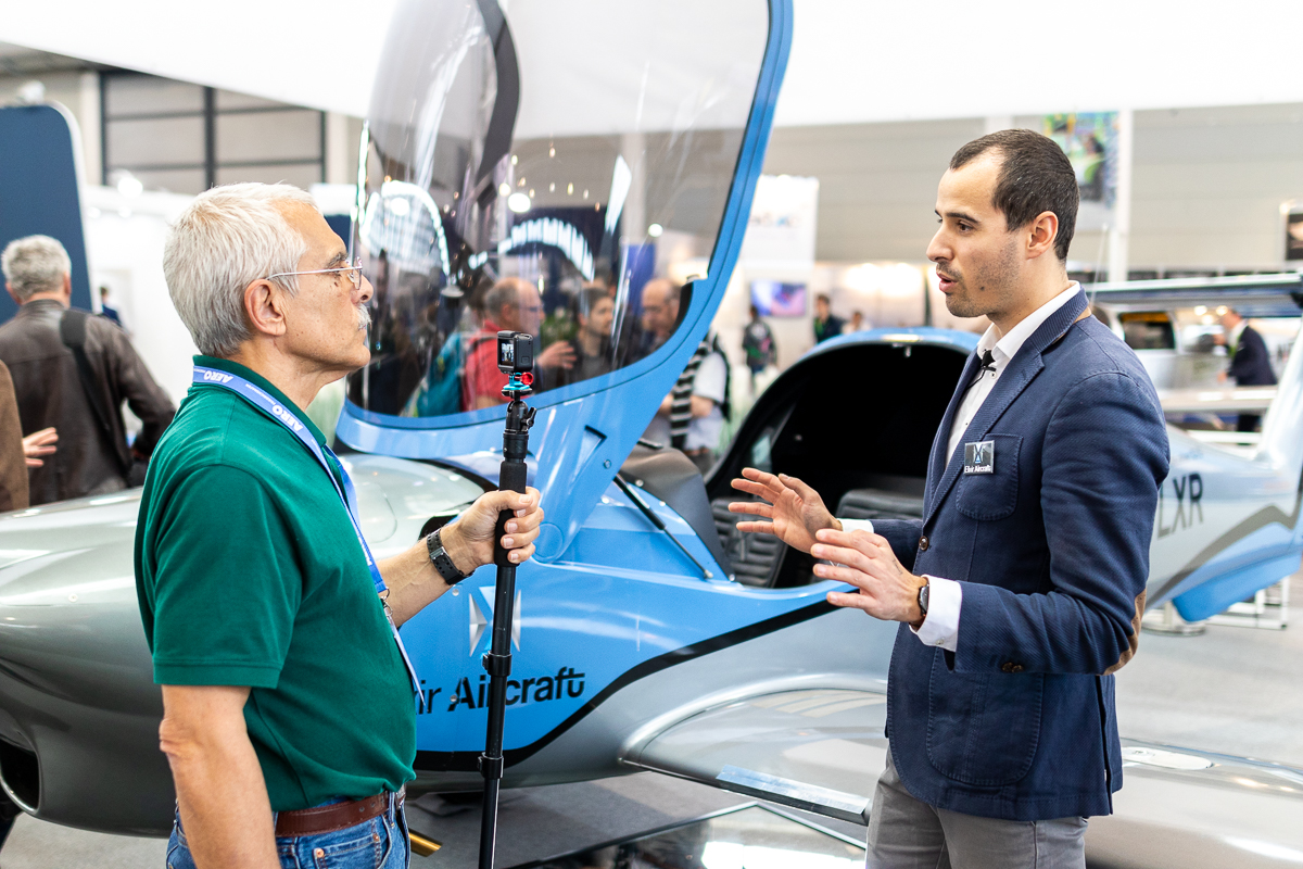 AvWeb's Paul Bertorelli discussing with Elixir Aircraft co-founder Cyril Champenois